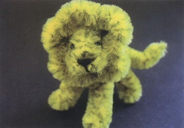 Lion - 50  Pipe Cleaner Animals for Kids, http://hative.com/pipe-cleaner-animals-for-kids/,