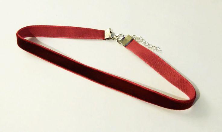 Samt Choker bordeaux | Samt Halsband | Samtchoker | weinrot | rot | klassische Choker Kette | 1 cm by Nesherim on Etsy