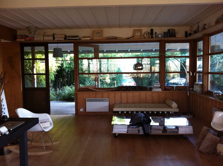 maison cr ee par le designer philippe starck en 1994 pour le catalogue les 3 suisses starck. Black Bedroom Furniture Sets. Home Design Ideas