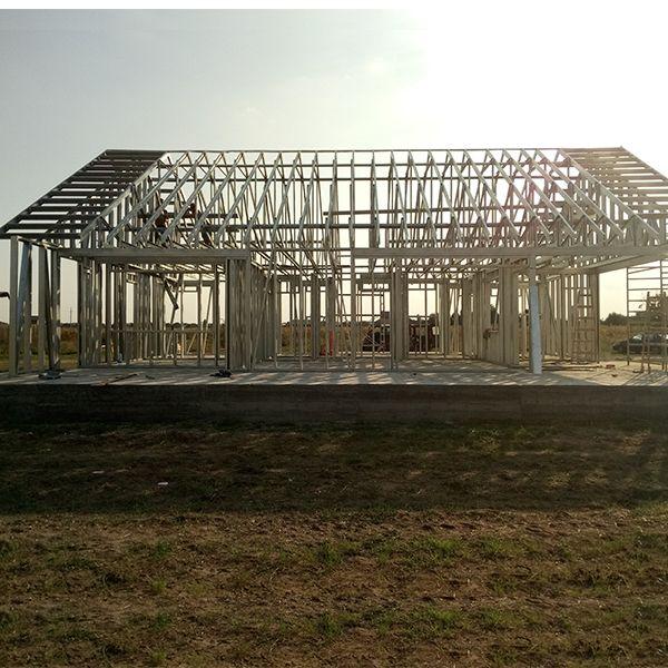 Arhitectura Moderna, Structura Metalica Suprafata construita 135m2