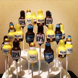 Beer Bottle cake pops!..used edible images to print out the labels and make them look this cool!!..lol..cheers! #cake #cakepop #cakepops#edibleimages #edible #beer#corona#stopeipa#modelo#bluemoon#yummy#gifts#orders#picoftheday #picoftheweek #instapic
