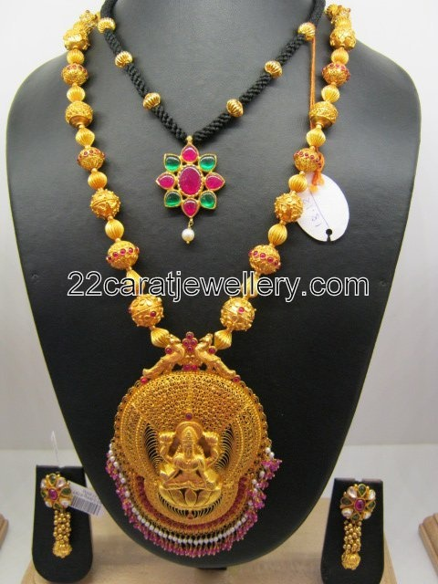 Jewellery Designs: 22 Carat Indian Gold Bridal Jewellery Designs(Traditional jewellery)