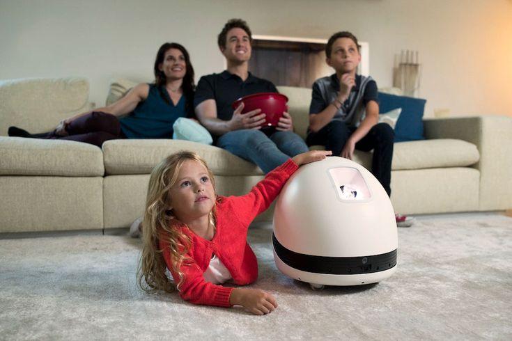 Keecker, le premier robot multimédia, mobile, autonome et sans fil #Innovation, #Robotique - Keecker, le premier robot multimédia équipé d'un rétroprojecteur qui va révolutionner le divertissement, la communication et la sécurité. Test : NoLim la liseuse numérique par Carrefour (+ concours)Nous avons pu tester une liseuse performante : La Nolim 8Go qui vous permettra de stocker jusqu'à 8000 ebooks. Une liseuse retro-éclairée à la demande et très intuitive.
