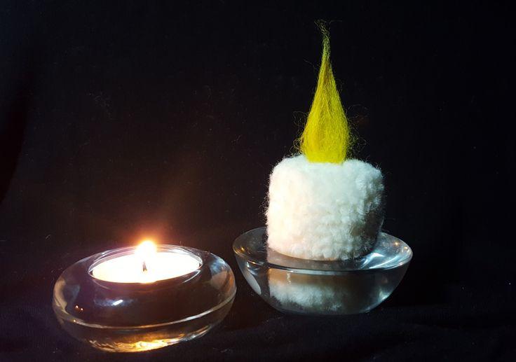 Pom pom candle
