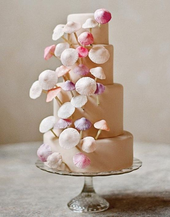 This #wedding #cake is perfect for the #wedding #owl as it is adorned with #mushrooms
