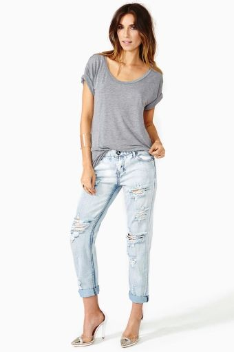I'm all about the simple tee and boyfriend jeans look this summer (of course paired with a killer pair of heels)