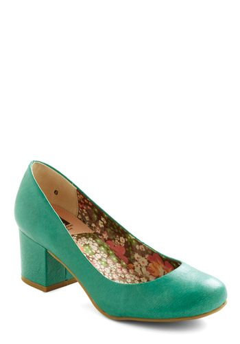 Cheerful in Aqua Heel-Liking this color.