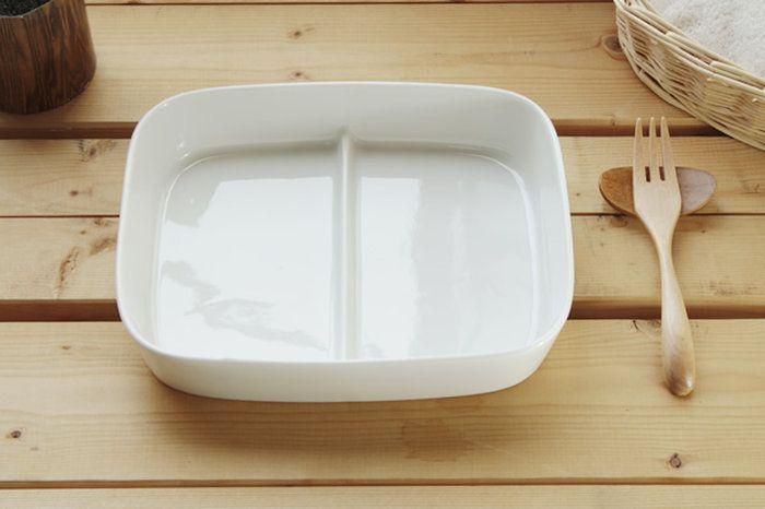 【楽天市場】深さがあるのでとっても便利♪深さのある2つ仕切りランチプレート〔アウトレット訳あり〕:セラポッケ~かわいい陶器のお店