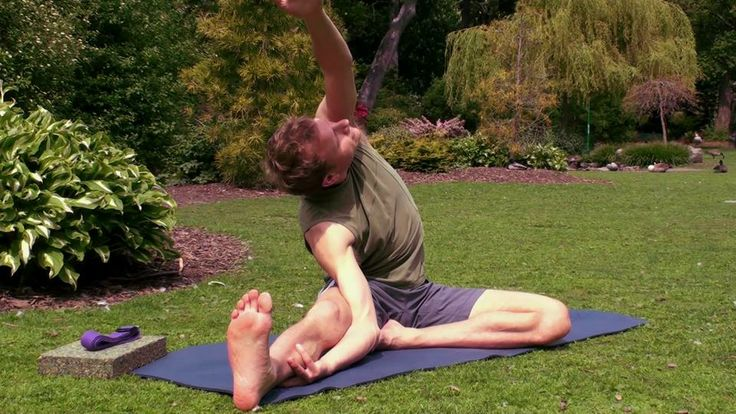 A Deep Opening for the Hips, Hamstrings and Lower Back with David Procyshyn. http://www.doyogawithme.com/ This class is slow, gentle and off...