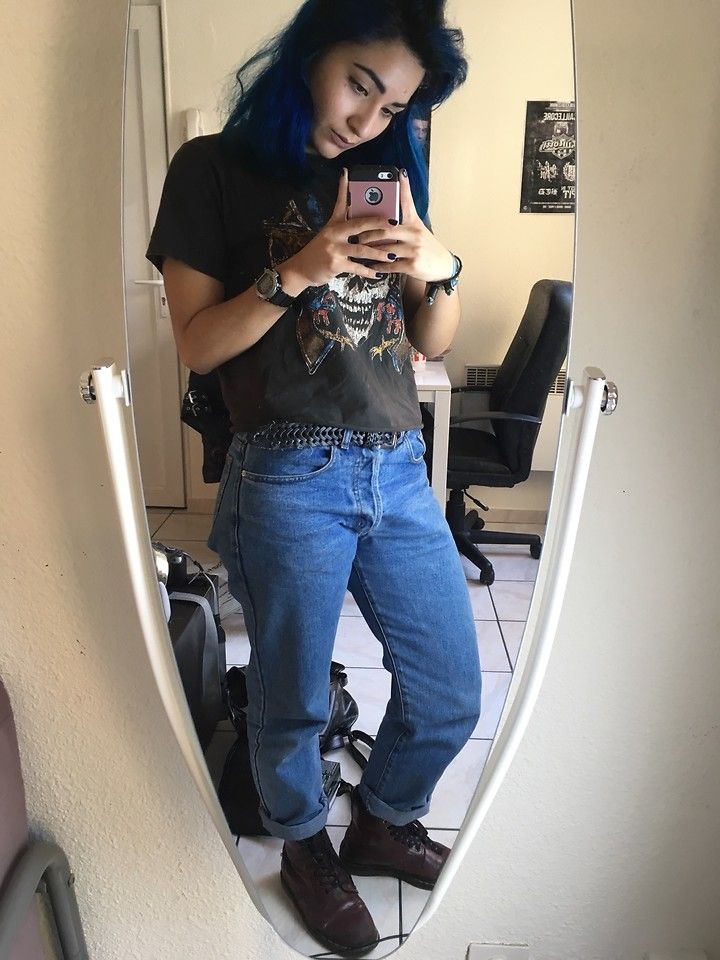 Flo - Dr. Martens Red Dr, High Waist Blue Jeans, Guns And Roses T ...