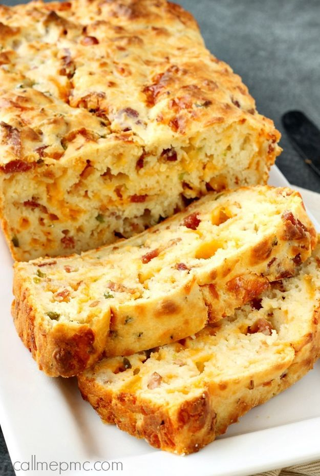 Bacon Jalapeño Popper Cheesy Bread   16 Homemade Bread Recipes That Are Absolutely Savory by Homemade Recipes at http://homemaderecipes.com/course/pastas-bread/16-homemade-bread-recipes/