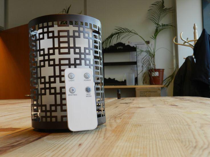 Que la lumière soit ! Nouveau diffuseur par brumisateur au design soigné à commander directement avec sa petite télécommande fournie après le diffuseur ! #vela #diffuseur #huilesessentielles