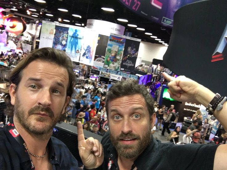 Kings of Con ‏@KingsOfCon  Jul 23 The Kings and their Kingdom. #sdcc @ComicConHQ @RobBenedict @dicksp8jr