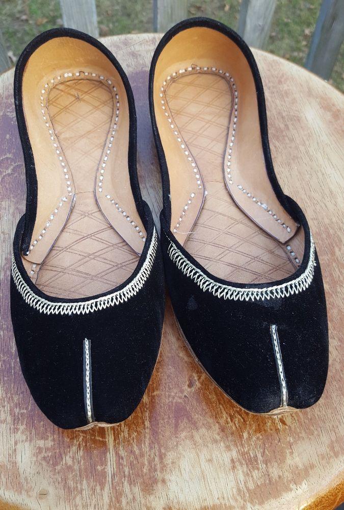 black velvet khussa