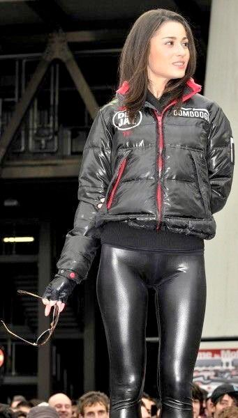 9c153aa5dd3a4 Sexy Leggings Outfit, Skin Tight Leggings, Leather Pants Outfit, Shiny  Leggings, Leather