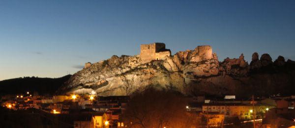 CASTLES OF SPAIN - Castillo de Ayora, Valencia. Construido a mediado del s.XIII sobre restos árabes, trás la conquista de la zona por tropas aragonesas. Por el Tratado de Almizra (1244), entre la Corona de Castilla y la de Aragón, Ayora queda en poder de CastIlla, volviendo a Aragón en 1281 y en 1305, Ayora se incorporará al Reino de Valencia. El castillo fue incendiado en la Guerra de Sucesión Española. En 1812 los franceses ocuparon el valle y terminaron con lo que quedaba del castillo.