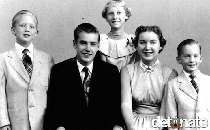 The five children of Fred Trump were born into wealth as their father was a real estate mogul in New York in the 20th century. They are: Donald, Fred, Jr., Elizabeth, Maryanne and Robert.
