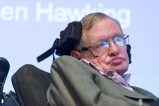 A mesterséges intelligencia az emberiség végét jelentheti – figyelmeztetett Stephen Hawking brit asztrofizikus. A kerekesszékhez kötött és hangszintetizátorral kommunikáló tudós szerint a gépek képesek lesznek újratervezni magukat és behozhatatlan előnyre tehetnek szert az emberrel szemben.