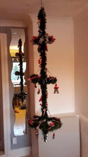 Compact livint julgran / christmas tree. It sure looked better in my head :)