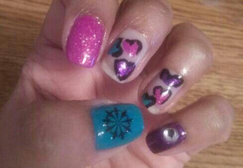 #sparklypink #hearts #snowflake #naildesigns #nailart #nails