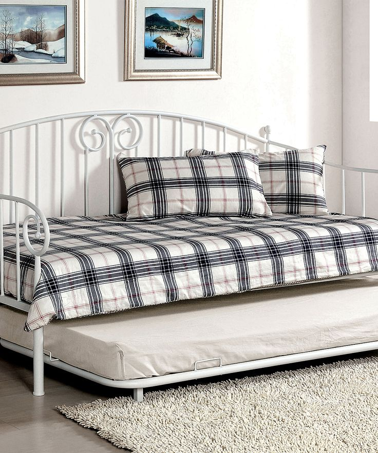 White Cyntha Transitional Daybed