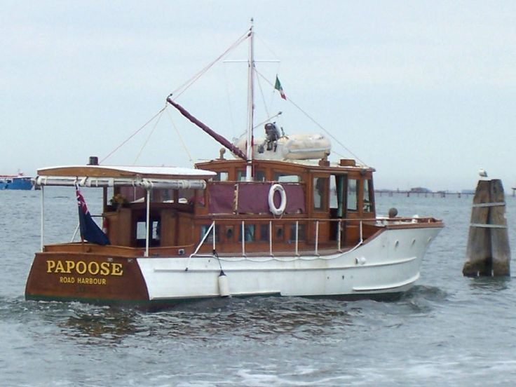 antique motoryachts   Classic Motor Yacht Papoose, wooden Gentleman's Cruiser, a real ...