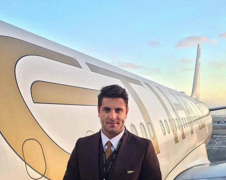 From @worldtravelfan -  The golden hour in Abu Dhabi!  #etihadcrew #cabincrew #etihadairways #abudhabi #uae #crewiser - #avgeek #instacrewiser  #eithadcabincrew