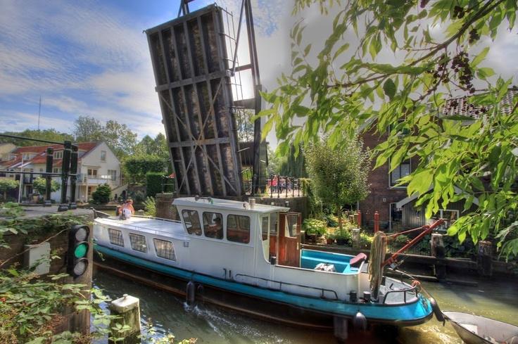 Ophaalbrug over Hollandse IJssel