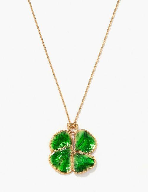 9 bijoux talismans pour affronter ce vendredi 13   Couleur des chakras,  Trèfles et Pendentif en cristal 03b6c0b0334