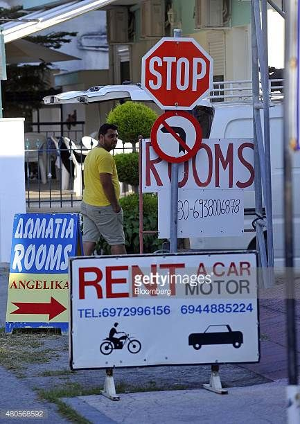 04-03 Multiple signs advertise rooms to rent at a tourist resort... #vrasna: 04-03 Multiple signs advertise rooms to rent at a… #vrasna