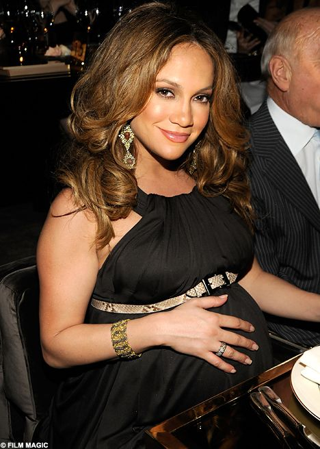 Pregnant With Twins Jennifer Lopez Shows Off Her Huge Baby