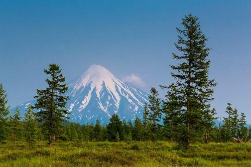 Кроноцкая Сопка, Камчатка   Kronotskaya Sopka, Kamchatka © photo by Denis Budkov http://ratbud.35photo.ru/