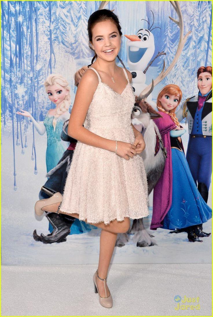 Bailee Madison: 'Frozen' Hollywood Premiere | bailee madison frozen premiere white 01 - Photo Gallery | Just Jared Jr.