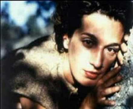 ▶ Dulce Pontes & G. Ntalaras _ Omorphi Poli _ 2005 - YouTube