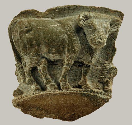 Vessel fragment with frieze of a bull, 3300–2900 b.c.;    Late Uruk/Jemdet Nasr period    (Metropolitan Museum of Art)