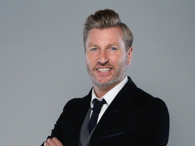 "Robbie Savage: Leicester City achievement ""bigger"" than Nottingham Forest's"