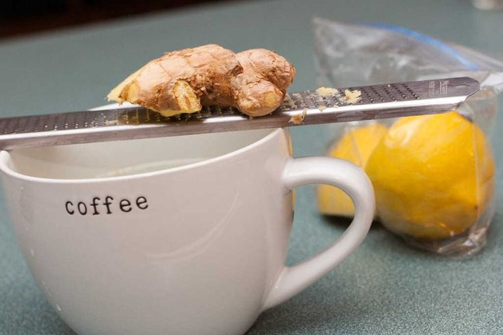 """Everyday Detox:: Ginger Lemon Tea Grate 1/2"""" of ginger into cup, pour boiling water over top and let sit for ~3 mins. Then squeeze half a lemon in. Add 2 tsps of honey for sweetness"""