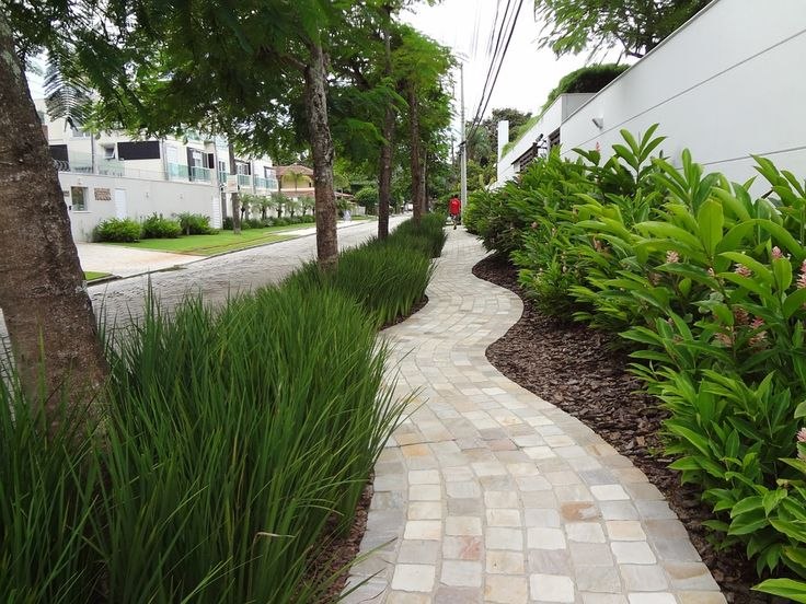 According to Anthony Foxx, we need equal distribution of sidewalks to ensure the American dream is available to all...