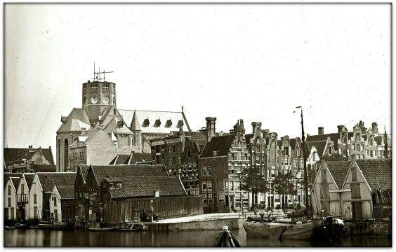Posthoornkerk in aanbouw. Korte Prinsengracht en HHouttuinen.