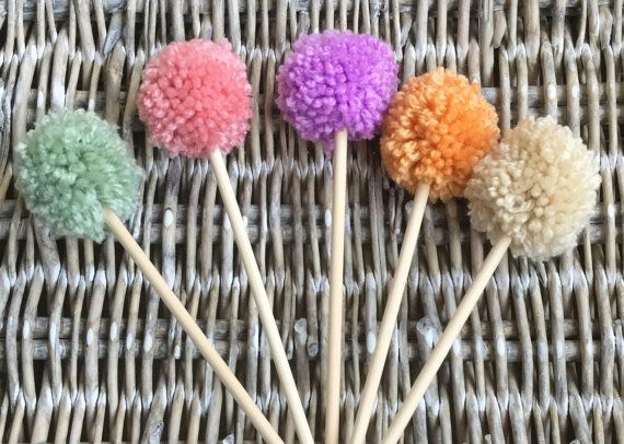 Small yarn pom pom flowers in a variety of colours Custom