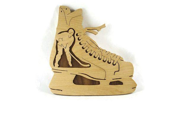Joueur de hockey en patin à glace murale Plaque à la par KevsKrafts