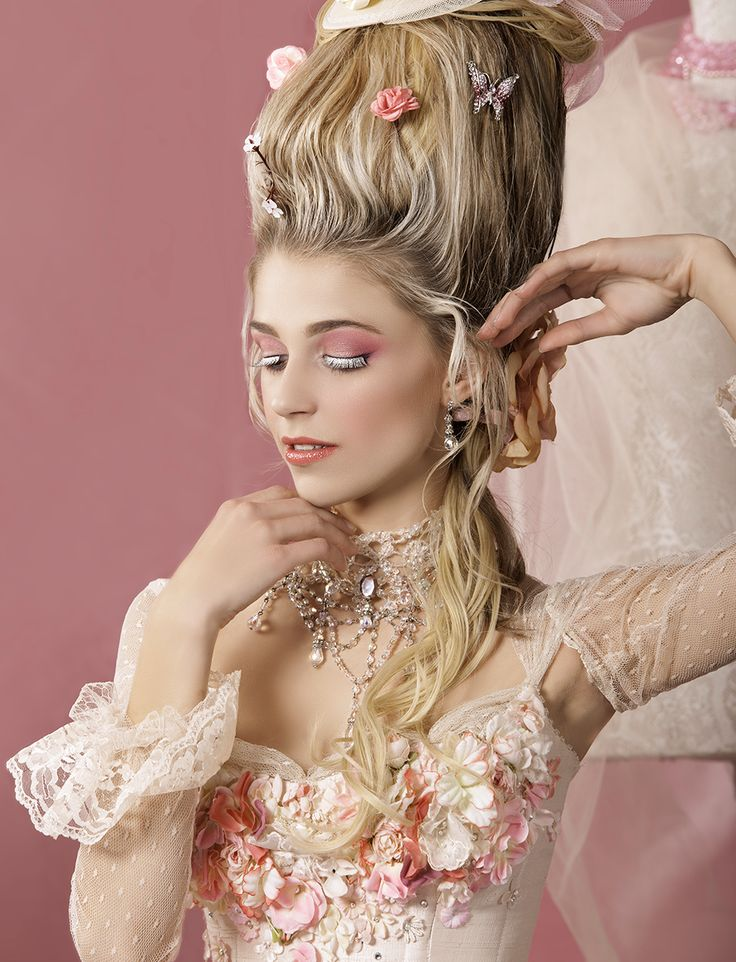 Sofia Coppola, Rococo Fashion, 1800s Fashion, Versailles, Kirsten Dunst, Marie Antoinette Costume, Marquise, Glamour, Fantasy Dress