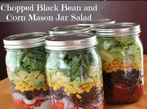 This #salad is #delicious! Just look at how #appetizing that looks, all those beautiful layers! 30 Mason Jar Foods and Recipe Ideas | Food Crafts | via putitinajar.com
