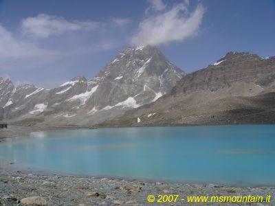 Lago delle Cime Bianche e M. Cervino (26 agosto 2007)