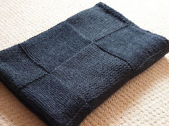 The Stylish Square blanket pattern by Susan Hanlon - Free Ravelry pattern download. Simple pattern. Easy knitting.