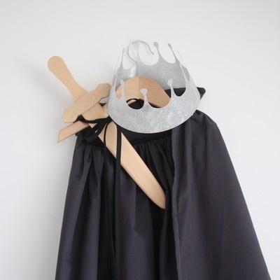 Prince 39 s cape d guisement gar on enfant prince id e diy conte de f e halloween for Comfabriquer deguisement halloween enfant
