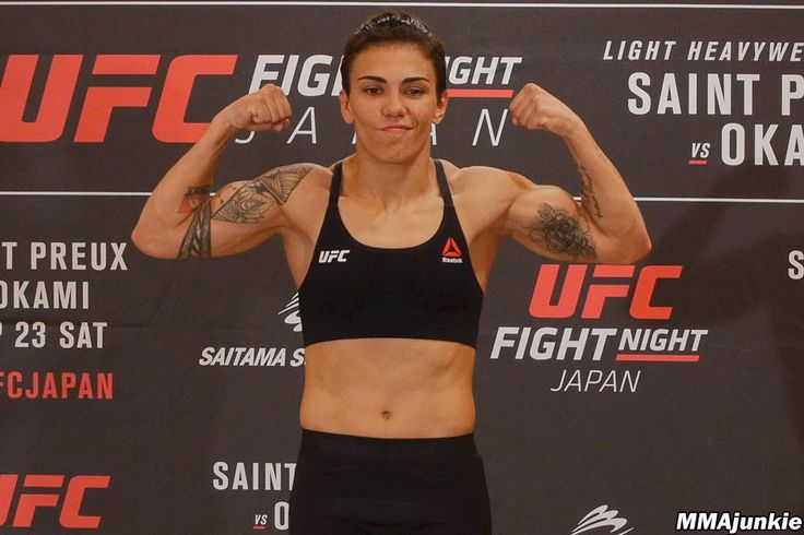 UFC Fight Night 117 results Jessica Andrade beats up Claudia Gadelha in bloody battle - MMAjunkie.com