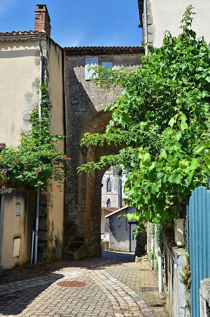 Village Portal - Confolens ~ Charente