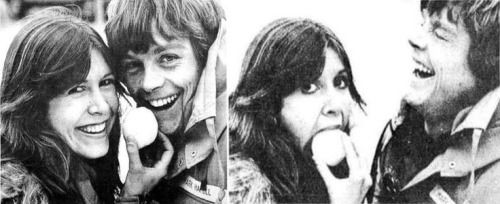 "wookieekisses: ""dushamoya: ""Mark Hamill & Carrie Fisher "" too cute! """