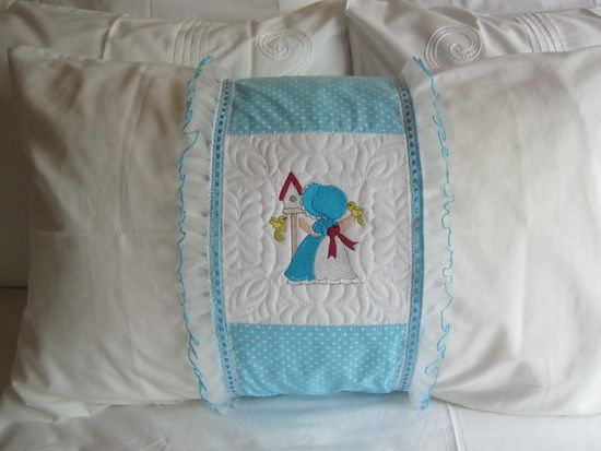 CE774 - QAYG Sunbonnet with Birds QB Make a lovely Heirloom Quilt and Pillow-Wrap Set for a little girl. There are 10 Picture Designs plus an Accent Block and a Label Block to make a truly memorable quilt. With the Accent Blocks you can make the quilt a much bigger size. Get Them Here: http://tinyurl.com/jakjug3 See the pdf tutorials here: The Pillow Wrap Tutorial: http://tinyurl.com/gnptbkp The QAYG Sunbonnets With Birds QB Tutorial: http://tinyurl.com/zhjzgm7
